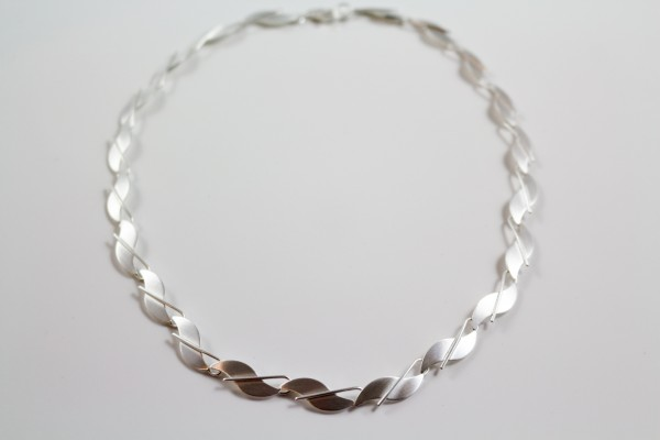 Collier Welle